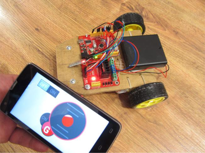 Control the arduino robot using g sensor on your